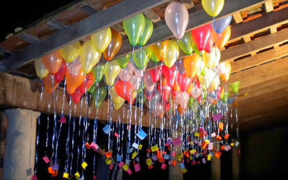 Decoraci n con globos for Decoracion de puertas para cumpleanos
